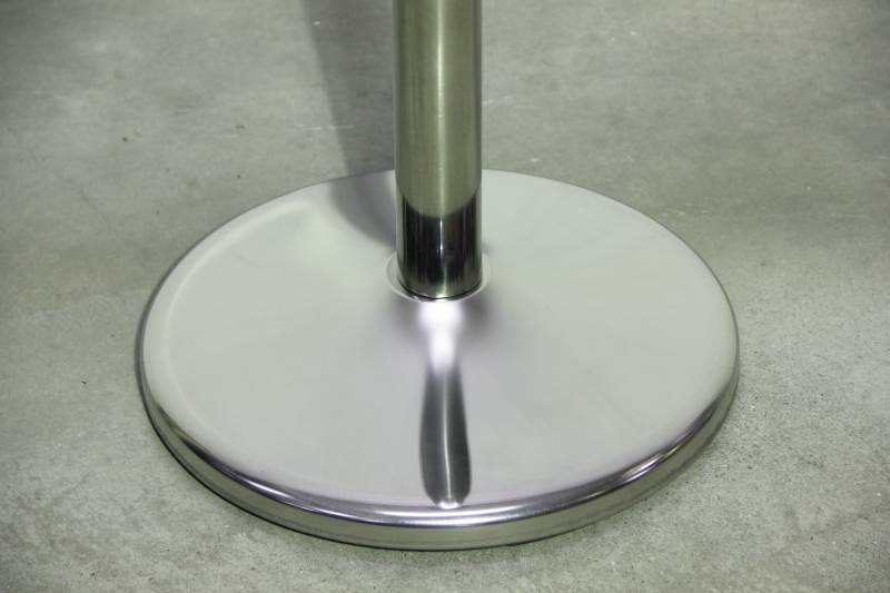 round top q-up stand silver